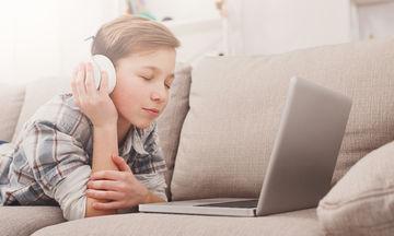 Μουσικοθεραπεία: Πώς μπορεί να βοηθήσει ένα παιδί με νεανική κατάθλιψη