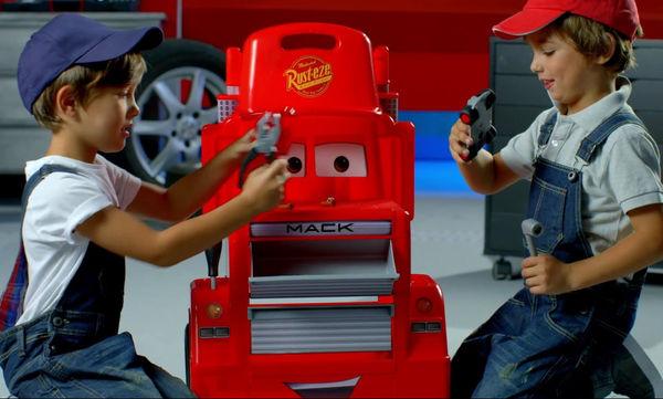 Πάγκος εργασίας Smoby Cars 3 Mack για αγόρια που λατρεύουν τα αυτοκίνητα