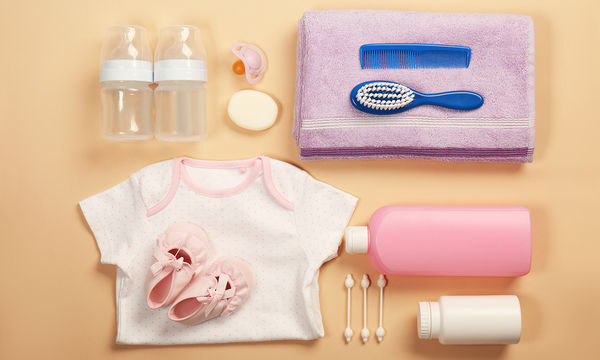 Τι πρέπει να περιέχει το νεσεσέρ του μωρού (pics)