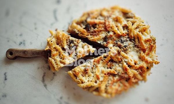 Μακαρονόπιτα με λαχανικά και γραβιέρα από τον Γιώργο Γεράρδο