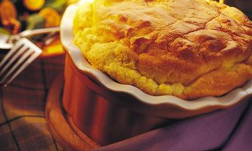 Σουφλέ με ψωμί του τοστ και μοτσαρέλα