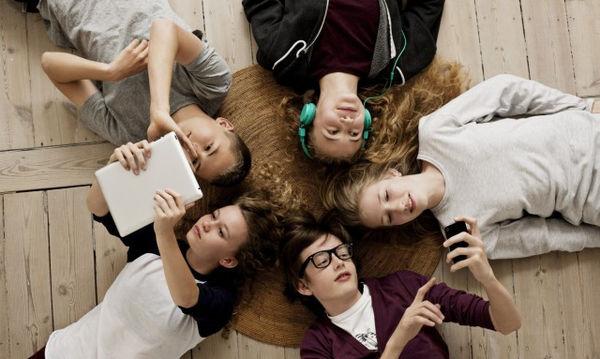 H επίδραση των social media στη ζωή των εφήβων - Τι μπορούν να κάνουν οι γονείς;