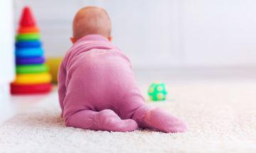 Έξι μηνών βρέφος: Όλα όσα πρέπει να γνωρίζετε για την ανάπτυξή του