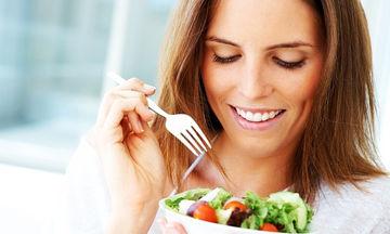 Πόσες φορές την ημέρα θα πρέπει να τρώτε, για να χάσετε βάρος;