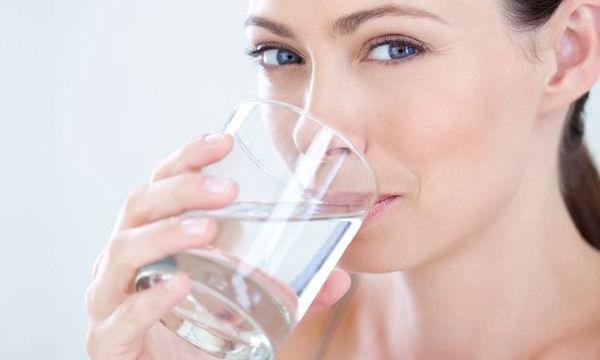 Τι συμβαίνει στο σώμα μας ότι δεν πίνουμε αρκετό νερό