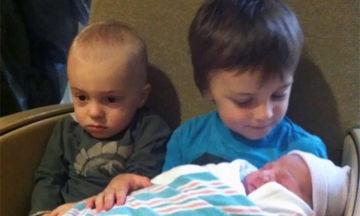 Τα μεγαλύτερα αδέλφια δεν χαίρονται πάντα με την άφιξη του νέου μέλους (pics)