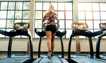 To μυστικό για να κάψεις στο διάδρομο γυμναστικής 10 θερμίδες το λεπτό και πολύ λίπος