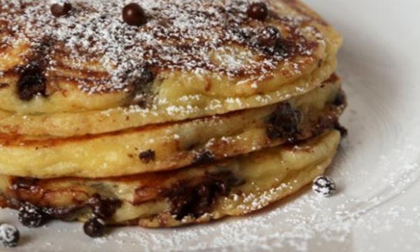Γιορτή της Μητέρας: Pancakes σοκολάτας για ένα γλυκό πρωινό