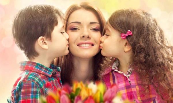 Η συγκινητική ιστορία που κρύβεται, πίσω από την καθιέρωση της Γιορτής της Μητέρας