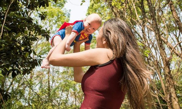 Πέντε λόγοι που κάνουν μια μαμά σούπερ ηρωίδα!