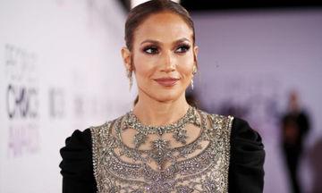 Jennifer Lopez: 10 φορές που τόλμησε να φωτογραφηθεί εντελώς αμακιγιάριστη