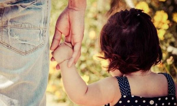 Πώς θα μάθετε στο παιδί σας να σας ψάχνει σε περίπτωση που χαθεί