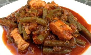 Κοκκινιστό κοτόπουλο με φασολάκια - Παραδοσιακό και νόστιμο φαγητό
