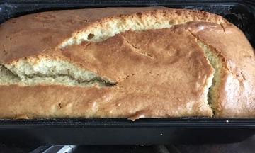 Πανεύκολο και λαχταριστό κέικ γιαουρτιού