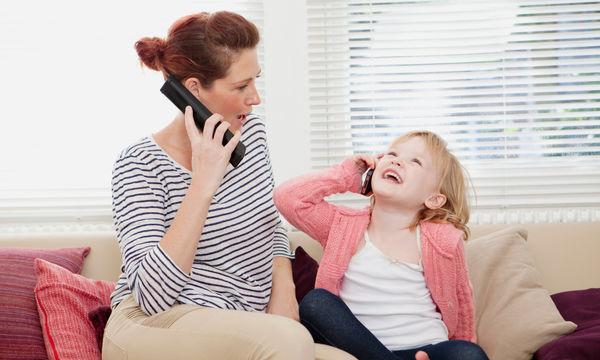 Αυτές τις συμπεριφορές των γονιών αντιγράφουν τα παιδιά
