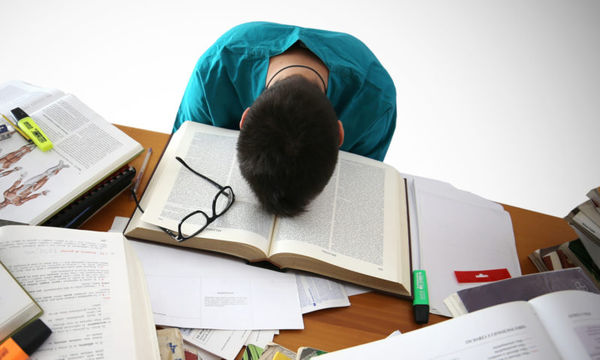 Πανελλήνιες εξετάσεις και ψυχολογία: Πώς μπορούν να καταπολεμήσουν το άγχος οι μαθητές;