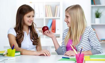 Ποια είναι η σωστή διατροφή των παιδιών που δίνουν εξετάσεις;