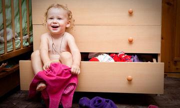 Πέντε συμβουλές για να αρχίσει το παιδί σας να ντύνεται μόνο του