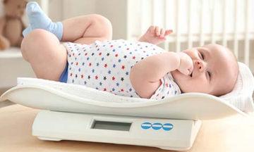 Βάρος μωρού: Τι είναι φυσιολογικό και τι όχι