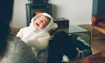 Τι να κάνετε όταν κλαίει ένα μωρό μέσα από φωτογραφίες