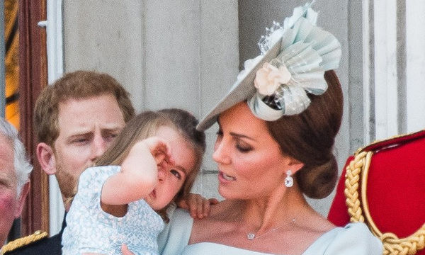 Ποιες κλασικές μαμαδίστικες τεχνικές χρησιμοποίησε η Kate για να ηρεμήσει την μικρή Charlotte;