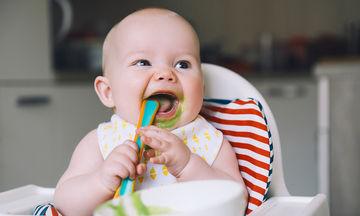Σε ποια ηλικία ένα παιδί μπορεί να αρχίσει να τρώει μόνο του;