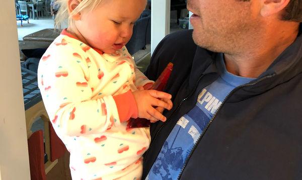 Σε λίγους μήνες γίνεται για πέμπτη φορά μπαμπάς και πριν μερικές ώρες έχασε την 19 μηνών κόρη του