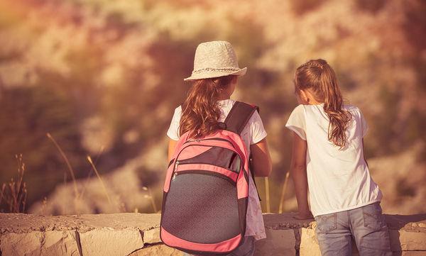 Παιδί στην κατασκήνωση: Όλα όσα πρέπει να γνωρίζουν οι γονείς πριν στείλουν τα παιδιά τους