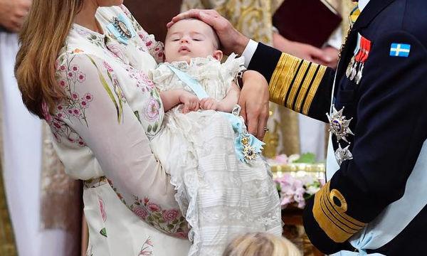 Η πριγκίπισσα Andrienne βαφτίστηκε και το παλάτι έδωσε φωτογραφίες στη δημοσιότητα