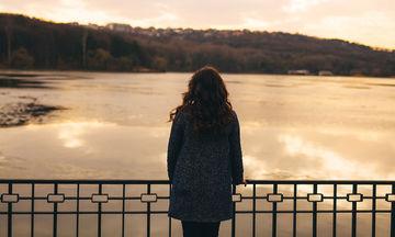 Μοναξιά: Πόσο αυξάνει τον κίνδυνο κατάθλιψης & πρόωρου θανάτου