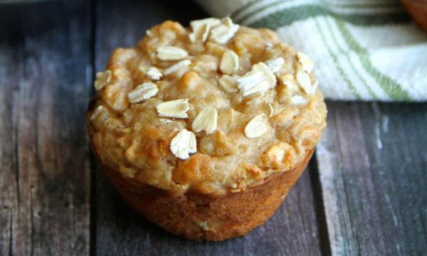 Muffins με γιαούρτι, μήλο και βρώμη -Υγιεινά και νόστιμα