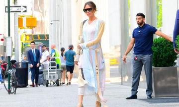 H Victoria Beckham φόρεσε τη βασική παλέτα του καλοκαιριού