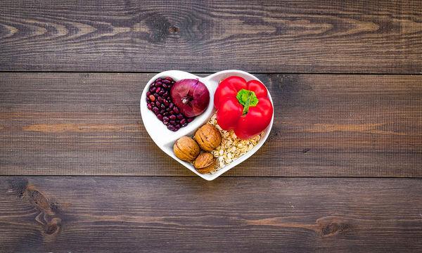 Διατροφή με ελαιόλαδο, ξηρούς καρπούς ή λίγα λιπαρά; Ποια είναι η καλύτερη για την καρδιά