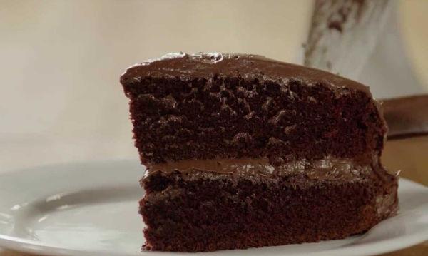 Σοκολατένιο κέικ χωρίς βούτυρο - Δείτε πώς θα το πετύχετε (video)
