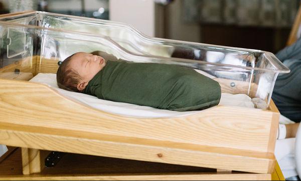 Άλλη μια τρυφερή φωτογραφία με το νεογέννητο μωρό της δημοσίευσε η διάσημη μαμά