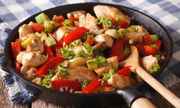 Μπουκίτσες κοτόπουλου με πιπεριές και κολοκυθάκια