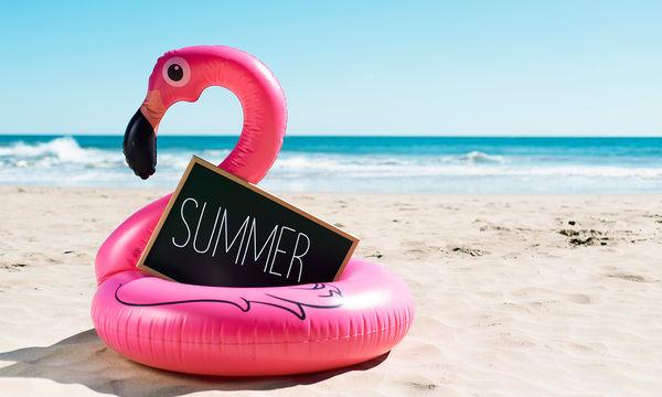 Φλαμίνγκο παντού! Ιδέες και θέματα, όπου «κολλάνε» κι αυτό το καλοκαίρι