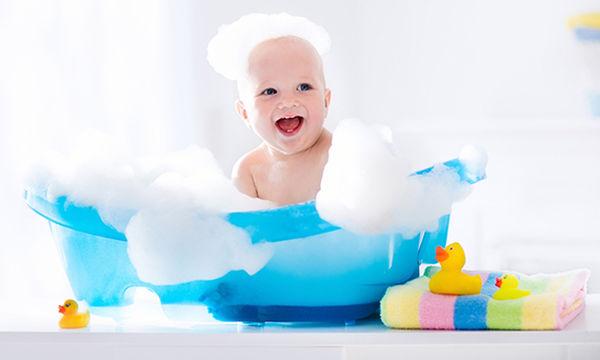 Αυτό το νούφαρο κάνει το μπάνιο του παιδιού ...μαγικό!