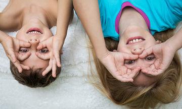 Το «πείραμα» της μαμάς που τα δύο μικρά παιδιά της μοιράζονται το ίδιο δωμάτιο