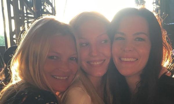 Kate Moss - Liv Tyler: Οι καλύτερες στιγμές μίας 26χρονης φιλίας