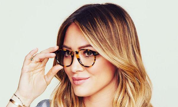 Η έγκυος Hilary Duff ποζάρει με μπικίνι και «κλέβει» τις εντυπώσεις