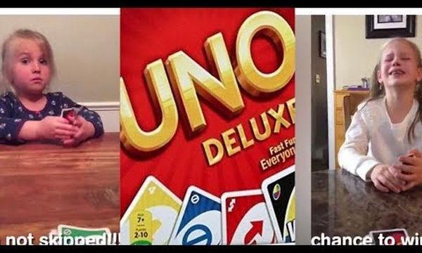 Τρελό γέλιο! Αυτό συμβαίνει όταν τα παιδιά παίζουν UNO (vid)