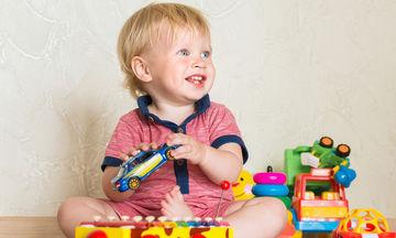 Αυτισμός και κοινωνική επικοινωνία: Τι πρέπει να προσέξουν οι γονείς στα βρέφη & τα νήπια 9-18 μηνών