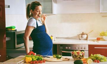 Είστε έγκυος; Όχι, δεν πρέπει να τρώτε για δύο