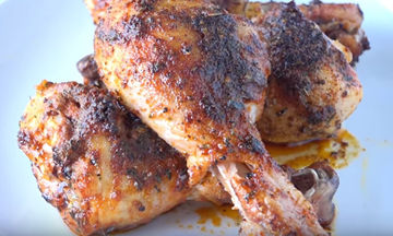 Πανεύκολα μπουτάκια κοτόπουλου στον φούρνο (vid)