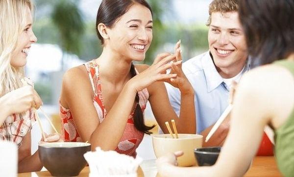 Οι έφηβοι σήμερα είναι πιο δεμένοι με την οικογένεια και διατηρούν ρομαντικές σχέσεις στο διαδίκτυο