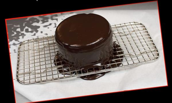 Λαχταριστό mini κέικ σοκολάτας στο πι και φι (vid)