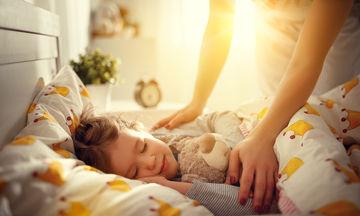Παιδί και ύπνος: Πως θα κάνετε την διαδικασία λιγότερο εξαντλητική
