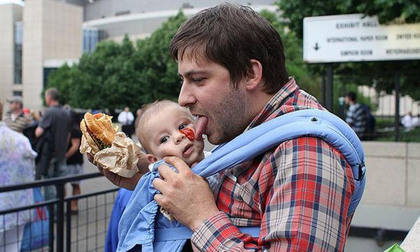 Είκοσι αστείες φωτογραφίες με παιδιά και γονείς που πρέπει να δείτε (pics)