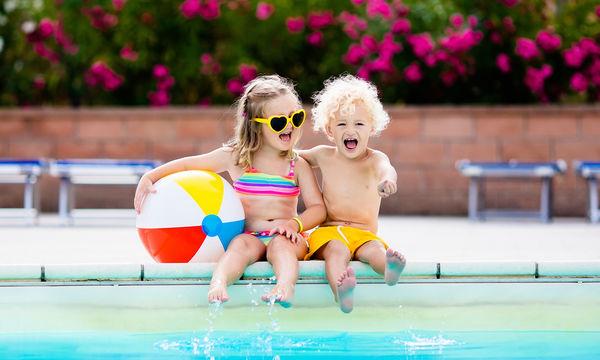 Ποια είναι η καλύτερη ηλικία για να μάθει το παιδί να κολυμπάει;